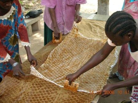 making adinkra clothx